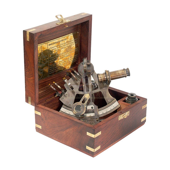 K&R Ventura sextant in wooden gift-case